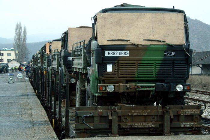 french-troops-train-mitrovica-kosovo