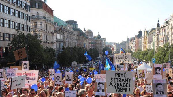 Démission de Andrej Babiš ? Un million d'espoirs dans les rues de Prague